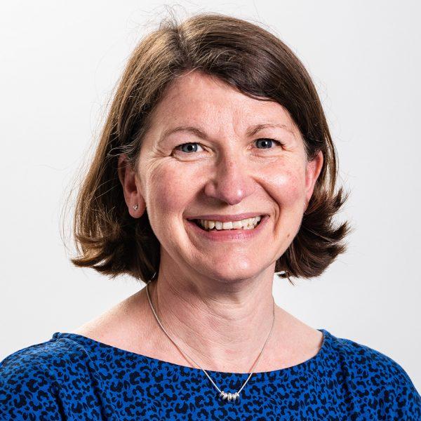 Dr Isla Furlong